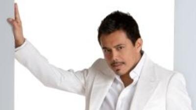 Raúl Brindis, Estéreo Latino 102.9 FM