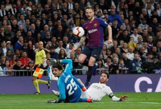En fotos: Barcelona doblegó de nuevo al Real Madrid en el Bernabéu y aumenta su ventaja en La Liga