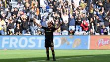 Confianza recuperada en Carlos Vela tras su lesión