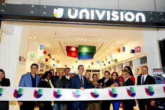 Univision anuncia planes para tiendas concesionarioas en LAX