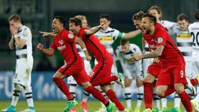 Marco Fabián y el Eintracht se meten a la final de la Pokal