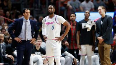 Wade dedicó su temporada a una víctima del tiroteo en una escuela de Florida y el día después le dio el triunfo al Heat