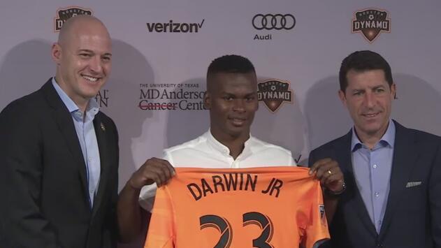 Darwin Quintero fue presentado oficialmente en el Houston Dynamo