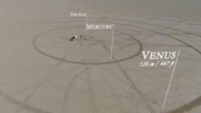Un grupo de amigos construyó un modelo a escala del Sistema Solar en el desierto de Nevada