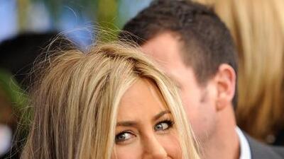 Jennifer Aniston está contenta por la boda de Brad Pitt y Angelina Jolie