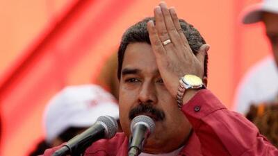 """EEUU impone sanciones financieras contra lo que describe como la """"dictadura de Maduro"""" en Venezuela"""