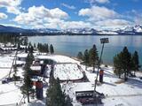La NHL celebra juego en lago natural entre Golden Knights y Colorado Avalanche