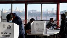 Elecciones en Ecuador: el derechista Guillermo Lasso disputará la presidencia en segunda vuelta al candidato de la izquierda