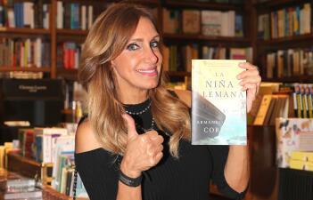 Lili Estefan acudió a la presentación del libro 'La Niña Alemana'