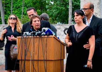 Laura Núñez, exrepresentante del cantante, reveló en una entrevista con el periodista mexicano Javier Poza, que el cuerpo de José José será repatriado a México y  <b>enterrado en el Panteón Francés</b> de la capital.