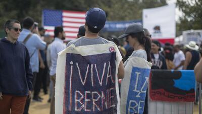 'Viva Bernie':  Sanders ilusiona a más hispanos en California que en otros estados