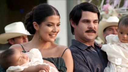 Fue así como en la serie se representó el nacimiento de las hijas que 'El Chapo' tuvo con Emma Coronel.
