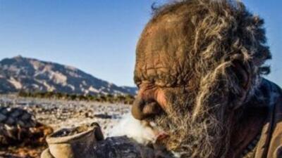 Amou Haji, el hombre que no se ha bañado en 60 años