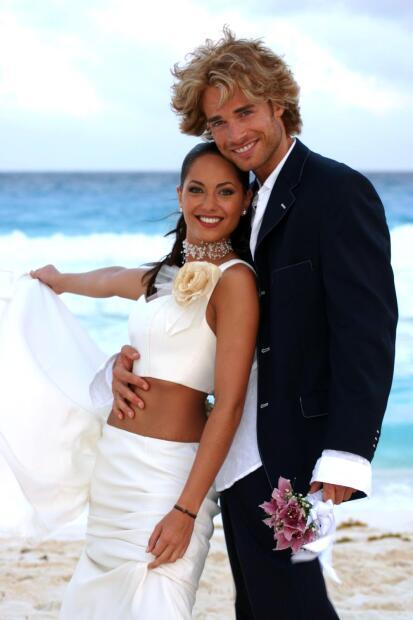Aquella primera entrega la protagonizaron los actores Fanny Cano y Antonio Medellín.