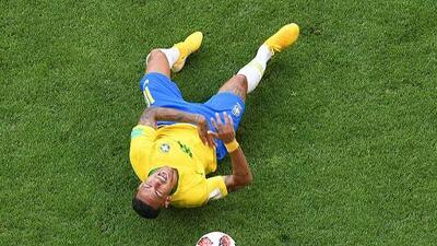 El trolleo continúa: Neymar es burla mundial por las exageraciones en sus caídas
