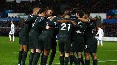 Manchester City impuso récord de victorias al golear al Swansea