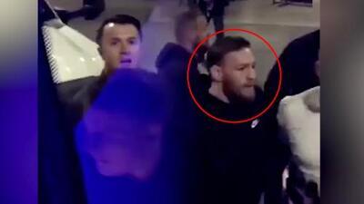 McGregor perdió la cabeza tras rueda de prensa y atacó autobús de UFC