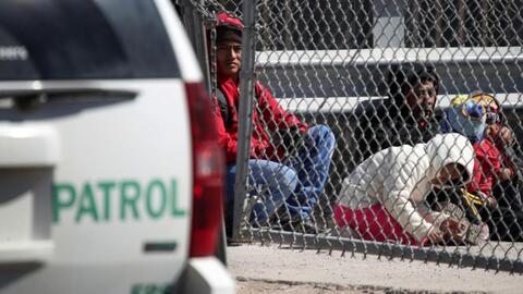 En un minuto: El gobierno de Trump pone más trabas a los solicitantes de asilo