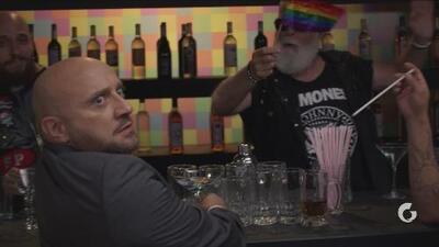 Vecinos | Luis,'el bipolar' visita un bar gay