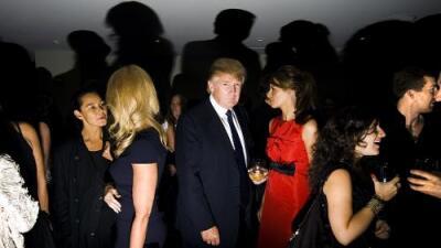 Así eran las fiestas con jóvenes modelos que Trump organizaba antes de entrar en política, muestra un nuevo informe