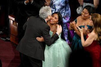 Los besos de Yalitza y otros 7 grandes momentos mexicanos en la entrega de los Oscar