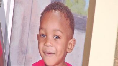 Envían a un gran jurado el caso del niño que murió tras permanecer más de 3 horas en el autobús de su guardería