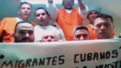 Familias separadas y discriminación: qué está pasando con los cientos de cubanos detenidos en centros de inmigración de ICE