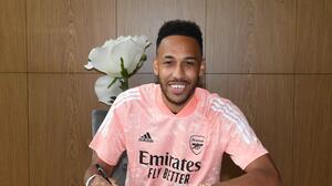 """¡Capitán forever! Aubameyang renueva para ser una """"leyenda del Arsenal"""""""