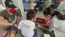 'En el semáforo se aprende': la iniciativa para llevar la educación a quienes más la necesitan en las calles