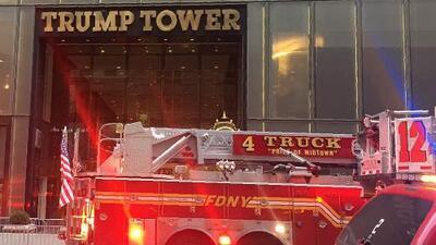 Incendio de cuatro alarmas en la Torre Trump deja un anciano muerto y cuatro bomberos heridos
