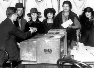 La historia de una lucha en 📷: la enmienda que permitió el voto de las mujeres en EEUU cumple 100 años