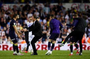 En fotos: Derby County noquea al Leeds United en su patio y acaricia la Premier League
