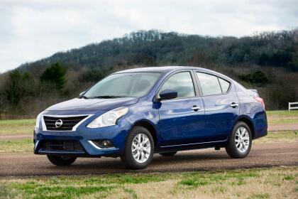 """<h3 class=""""cms-H3-H3""""><b>Nissan Versa</b></h3> <br> <br> <b>Precio promedio: </b>9,219 dólares <br> <b>Porcentaje promedio por debajo del valor de mercado: </b>11.8% <br> <b>Ahorro promedio: </b>1,246 dólares"""