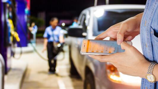 Cinco aplicaciones gratuitas que te ayudarán a encontrar la gasolina más barata