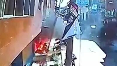 Un hombre rocía con combustible a su expareja y la quema viva en un salón de belleza en Perú