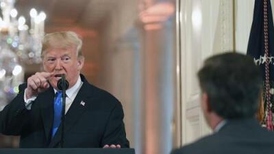 La Casa Blanca suspende la credencial al periodista de CNN Jim Acosta tras altercado con Trump