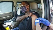En un minuto: EEUU establece récord de vacunación diaria superando 4 millones de dosis contra el covid-19