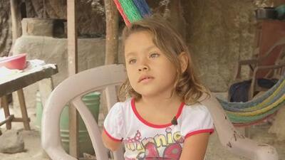Niña salvadoreña perdió su pierna y su brazo en un aparatoso accidente y ahora no puede ir a la escuela