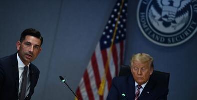 """Casa Blanca pidió """"parar"""" investigación sobre injerencia electoral rusa y reforzar la idea de que """"terroristas"""" entran desde México"""