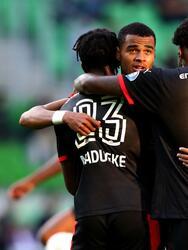 El PSV gana por tres goles al Groningen de Robben, quien dejó el campo tras una lesión. Cody Gakpo marcó doblete y el tercer tanto fue por parte de Donyell Malen. El mexicano Erick Gutierrez se encuentra lesionado.