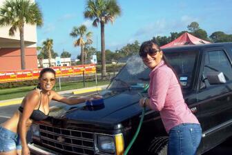 Diana Reyes lavó autos en Houston