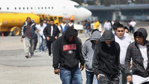 Qué significa que la Corte Suprema haya eliminado la deportación obligatoria de inmigrantes condenados por algunos crímenes