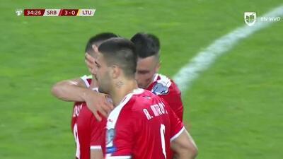 ¡GOOOL! Luka Jovic anota para Serbia