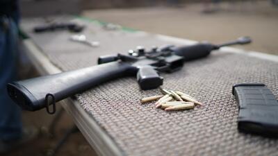Gobernador de Texas firma ocho órdenes ejecutivas en respuesta a tiroteos masivos de El Paso y Odessa