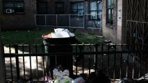 """""""No aguantamos más"""": inquilinos de un edificio de NYCHA en Brooklyn demandan a Nueva York"""