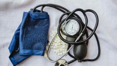 La FDA se une a 22 países al retirar del mercado varios medicamentos con valsartán, ingrediente usado para tratar la hipertensión