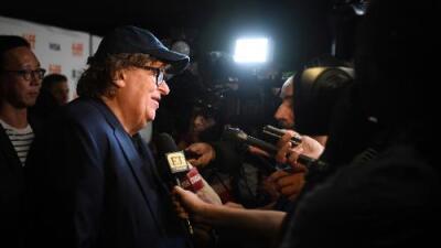 """Michael Moore estrena su documental """"Fahrenheit 11/9"""" en el que compara a Trump con Hitler"""