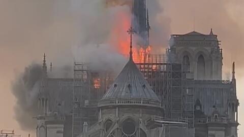 """""""He visto lágrimas y mucho dolor entre la población de Paris"""", relata la periodista de Univision San Antonio tras el incendio de la catedral de Notre Dame"""