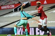 Liverpool golea como visitante en Old Trafford al Manchester United 4-2. Bruno Fernandes y Marcus Rashford anotaron los dos tantos para los locales, pero Diogo Jota, el doblete de Roberto Firmino y el golazo de Mohamed Salah, les dieron la victoria a los 'Reds' durante la Jornada 34 en la Premier League.