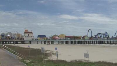 Emiten alerta a bañistas por presencia de bacterias fecales en playas de Galveston